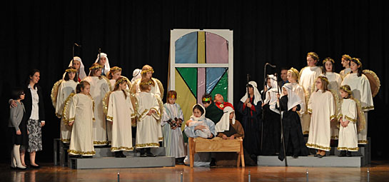 the cast of off stage productions the best christmas pageant ever photo submitted - The Best Christmas Pagent Ever