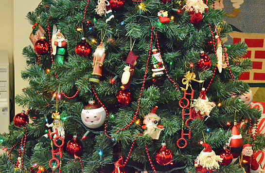 Children Christmas Tree Decorations.Holiday Splendor The Vw Independent